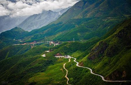 Cảm nghĩ về bài thơ Qua Đèo Ngang của Bà Huyện Thanh Quan