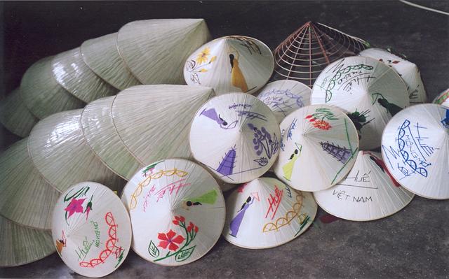 Thuyết minh về chiếc nón là Việt Nam
